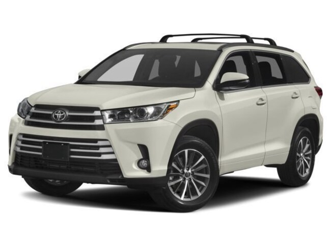 New 2018 Toyota Highlander XLE V6 SUV for sale in Greenfield