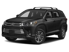 New Toyota for sale  2018 Toyota Highlander XLE V6 SUV in Alton, IL