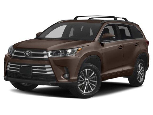 New 2018 Toyota Highlander XLE V6 SUV for sale in the Brunswick, OH