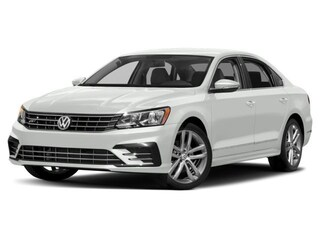 New 2018 Volkswagen Passat 2.0T R-Line Sedan Fort Myers