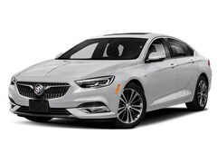 2019 Buick Regal Sportback Essence Hatchback W04GP6SXXK1008394