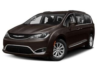 New 2019 Chrysler Pacifica TOURING PLUS Passenger Van in Brunswick, OH