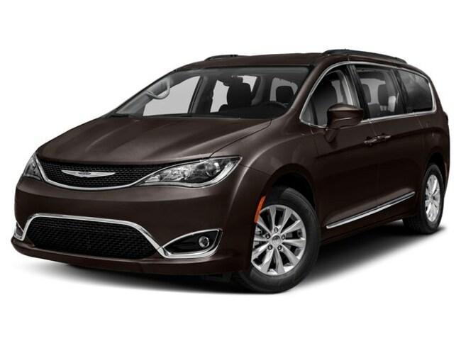 New 2019 Chrysler Pacifica TOURING PLUS Passenger Van in Lakeland, FL