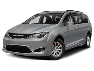 New 2019 Chrysler Pacifica TOURING L PLUS Passenger Van Muskegon, MI