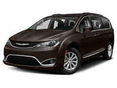 New 2019 Chrysler Pacifica TOURING L PLUS Passenger Van in Elkins, WV