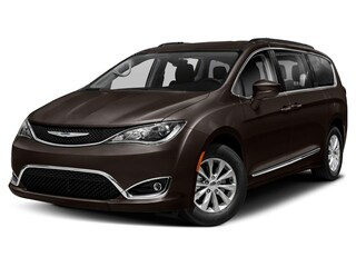 New 2019 Chrysler Pacifica LIMITED Passenger Van C190025 in Brunswick, OH