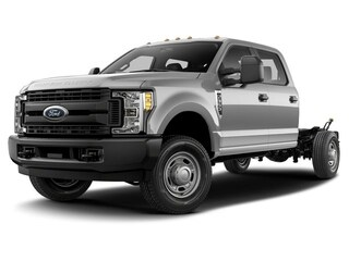 2019 Ford F-350 Chassis Lariat Truck Crew Cab