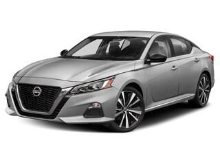 New 2019 Nissan Altima 2.0 SR Sedan for sale in Manhattan, KS at Briggs Manhattan