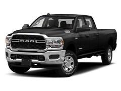 2019 Ram 3500 LARAMIE CREW CAB 4X4 8' BOX Truck