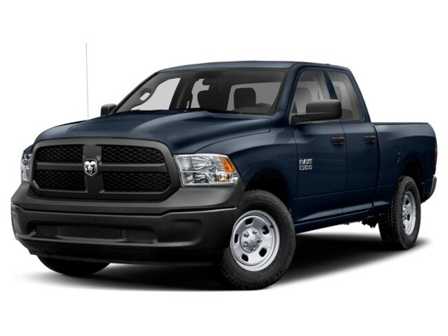 New 2019 Ram 1500 CLASSIC EXPRESS QUAD CAB 4X4 6'4 BOX Quad Cab Albuquerque, NM