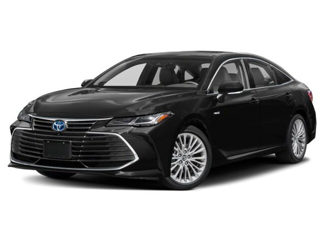 New 2019 Toyota Avalon Hybrid XSE Sedan near Dallas, TX
