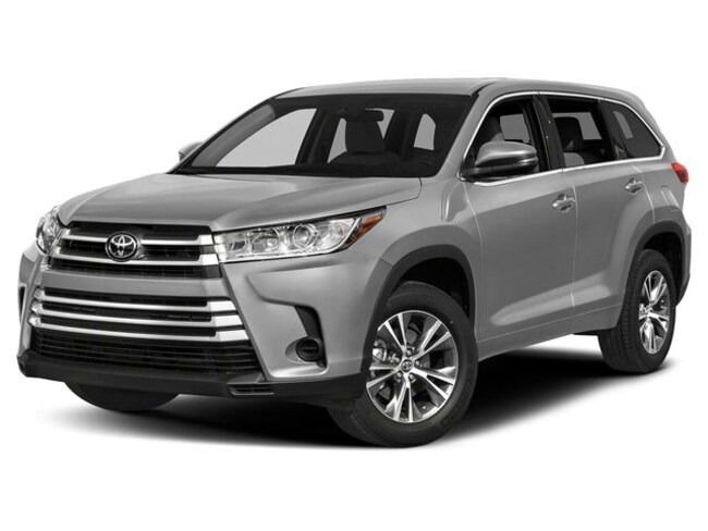 New 2019 Toyota Highlander LE Plus V6 SUV near Boston