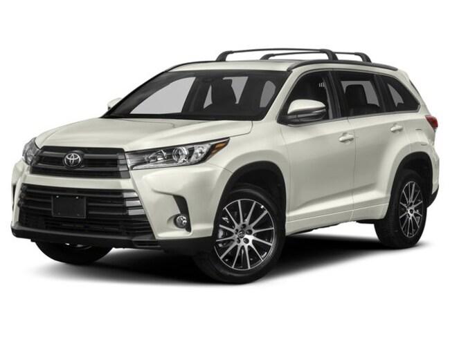New 2019 Toyota Highlander SE V6 SUV in Appleton