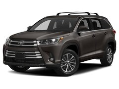New 2019 Toyota Highlander for sale in Pekin