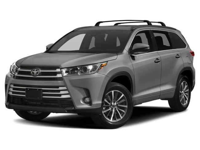 New 2019 Toyota Highlander XLE V6 SUV near Boston