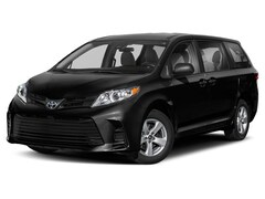 New Vehicle 2019 Toyota Sienna LE Van For Sale in Coon Rapids, MN