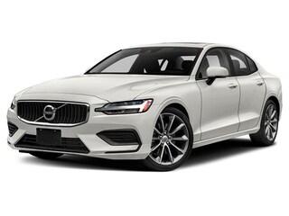 New 2019 Volvo S60 T6 Momentum Sedan 7JRA22TK3KG007558 19D269