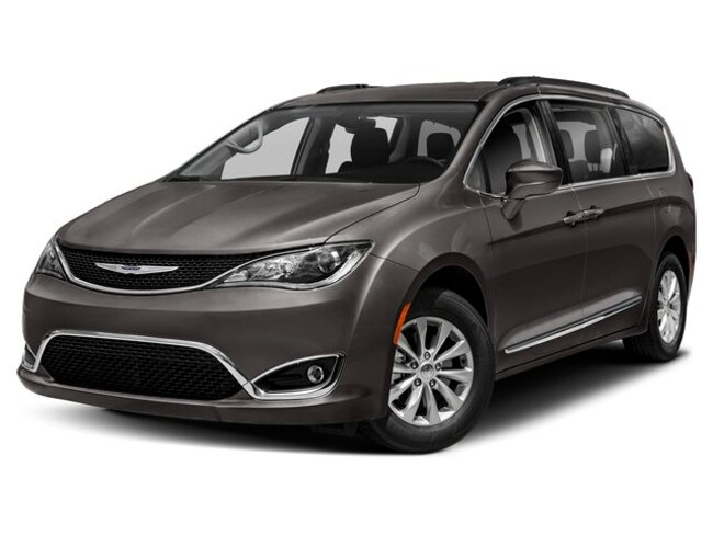 New 2020 Chrysler Pacifica LIMITED Passenger Van Frankenmuth