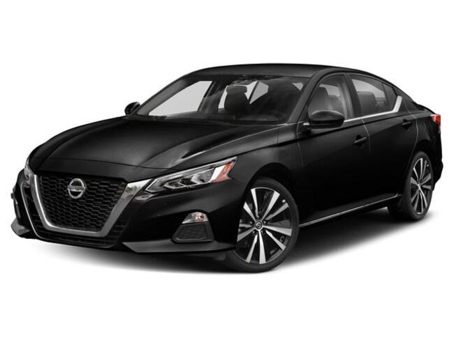 New Nissan 2020 Nissan Altima 2.0 SR Sedan for sale in Denver, CO