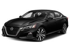 New 2020 Nissan Altima 2.5 SR Sedan near Escanaba, MI