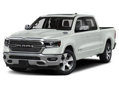 New 2020 Ram 1500 LARAMIE CREW CAB 4X4 5'7 BOX Crew Cab 1C6SRFJM6LN213357 near Jefferson City, MO