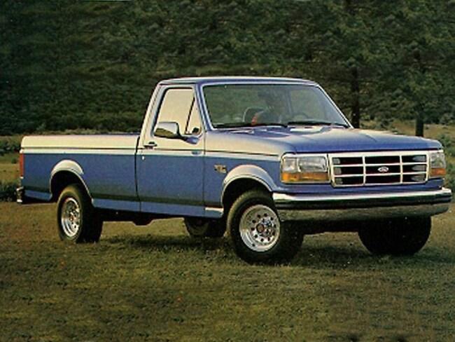 1992 Ford F-150 Custom Truck