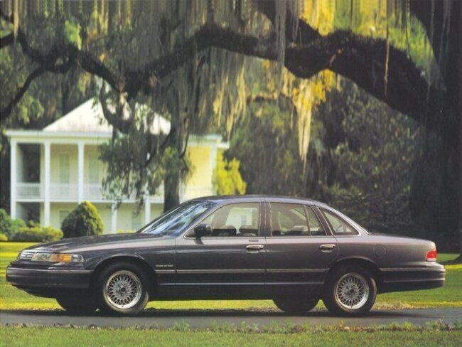 1993 Ford Crown Victoria LX LX  Sedan