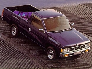 1995 Nissan Trucks 2WD XE