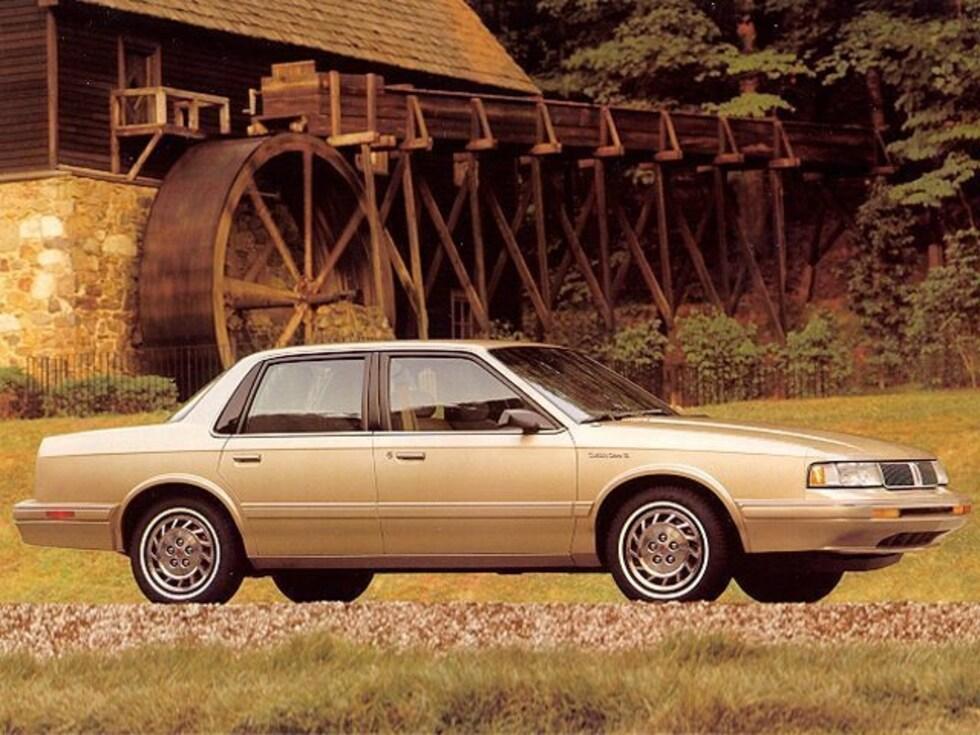 1995 Oldsmobile Cutlass Ciera Ciera SL Sedan Classic Car For Sale in Sioux Falls, South Dakota