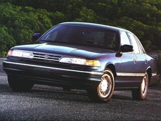 1996 Ford Crown Victoria LX Sedan RWD