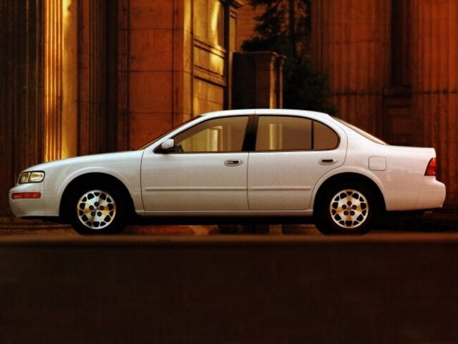 1996 nissan maxima tire size