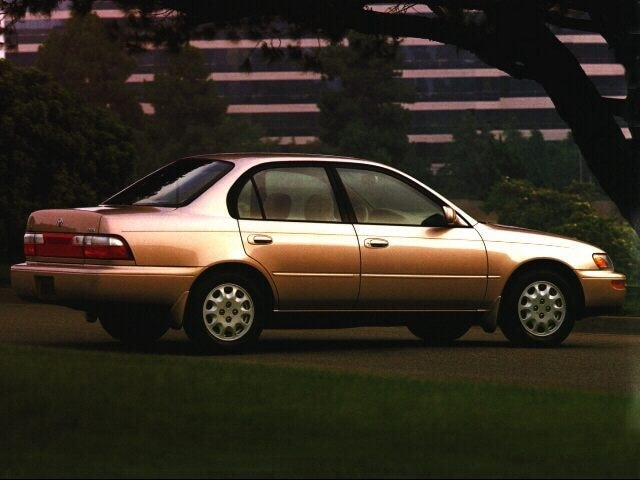 1996 Toyota Corolla DX (M5) (STD is Estimated) Sedan