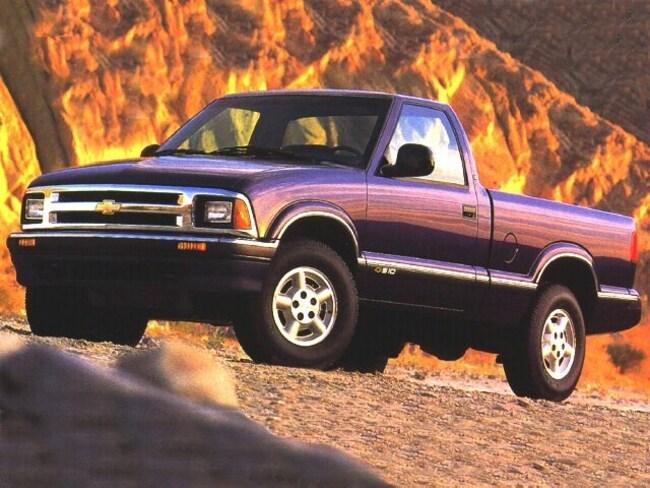 1997 Chevrolet S-10 Truck Standard Cab