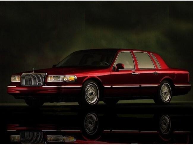 1997 Lincoln Town Car Executive Sedan