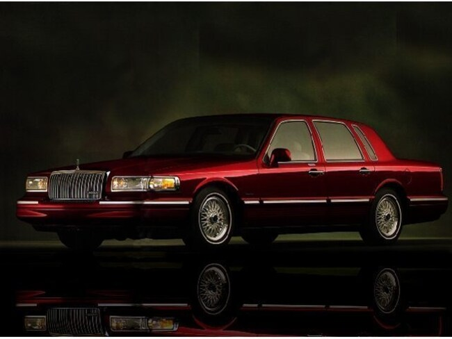 Used 1997 Lincoln Town Car In Melbourne Fl 1lnlm82wxvy626659 For