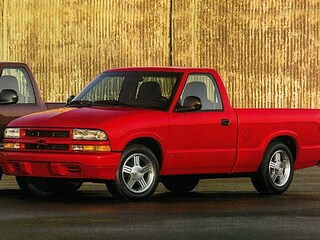 Used vehicle 1998 Chevrolet S-10 Truck Regular Cab for sale in Erie, PA