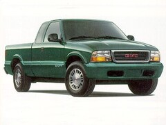 1998 GMC Sonoma SLS Truck