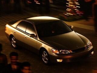 1998 LEXUS ES 300 Base Sedan