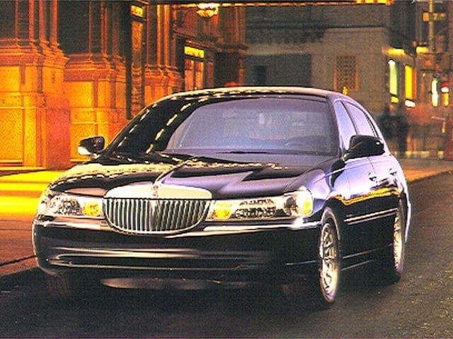 1998 Lincoln Town Car Executive Sedan