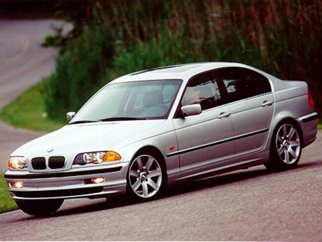 used toyota 1999 BMW 328i Sedan massillon
