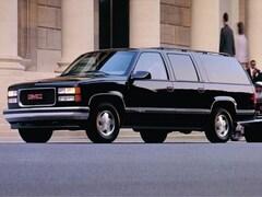 1999 GMC Suburban Full Size SUV