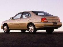 1999 Nissan Altima XE Sedan