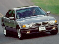 2000 BMW 740iA Sedan