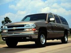 2000 Chevrolet Suburban 2500 4WD LS suv