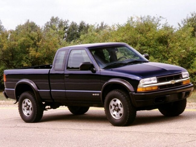 Used 2000 Chevrolet S-10 For Sale in Davenport Iowa 52806