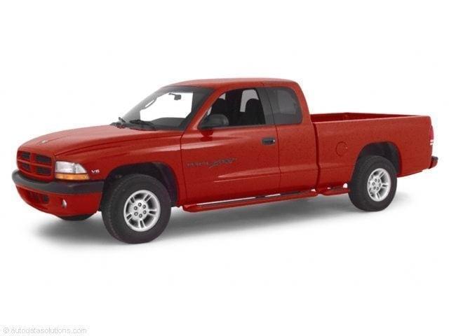 2000 Dodge Dakota Club Cab 131 WB Truck