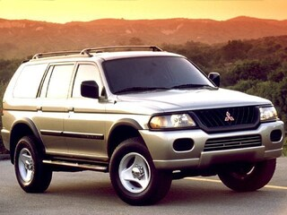2000 Mitsubishi Montero Sport LS SUV