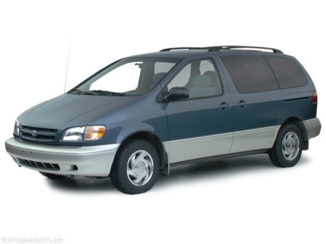 Used 2000 Toyota Sienna Passenger Van in Litchfield