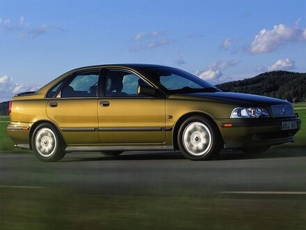 2000 Volvo S40 Base Turbo Sedan