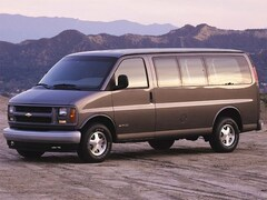2002 Chevrolet Express Van 1500 135 WB BASE